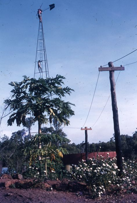 Erecting windlight tower