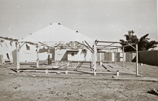 Prisoners shelter yard
