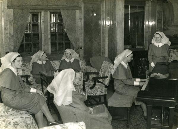 Sisters lounge