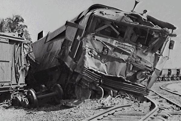 Darwin rail smash